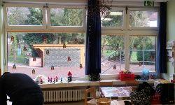 kindergarten transparente splitterschutzfolie din en 12600 f r glas. Black Bedroom Furniture Sets. Home Design Ideas